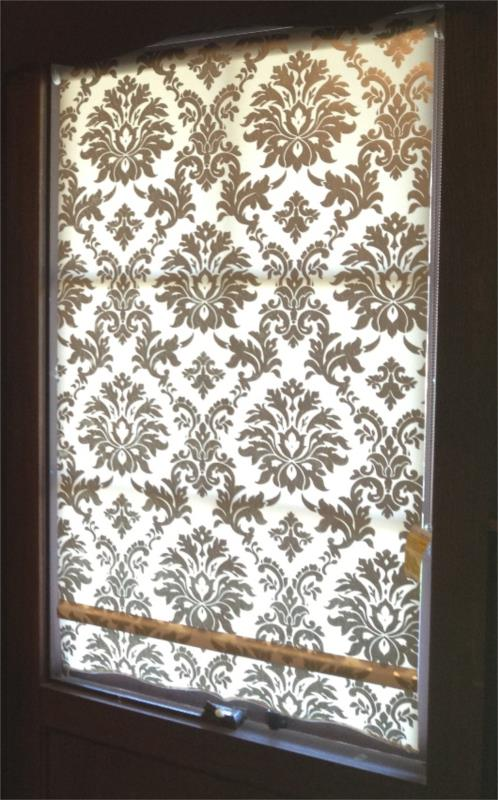 Light Filtering Damask Roller Blind with a fancy edge