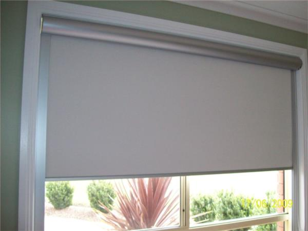 Roller Blind with cassette and side channels