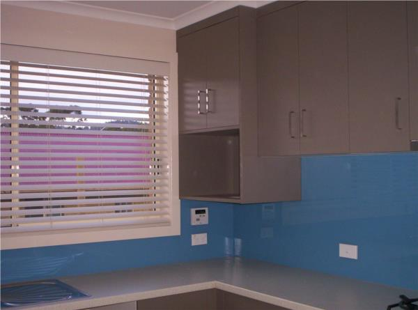 White Visionwood 50mm in Kitchen